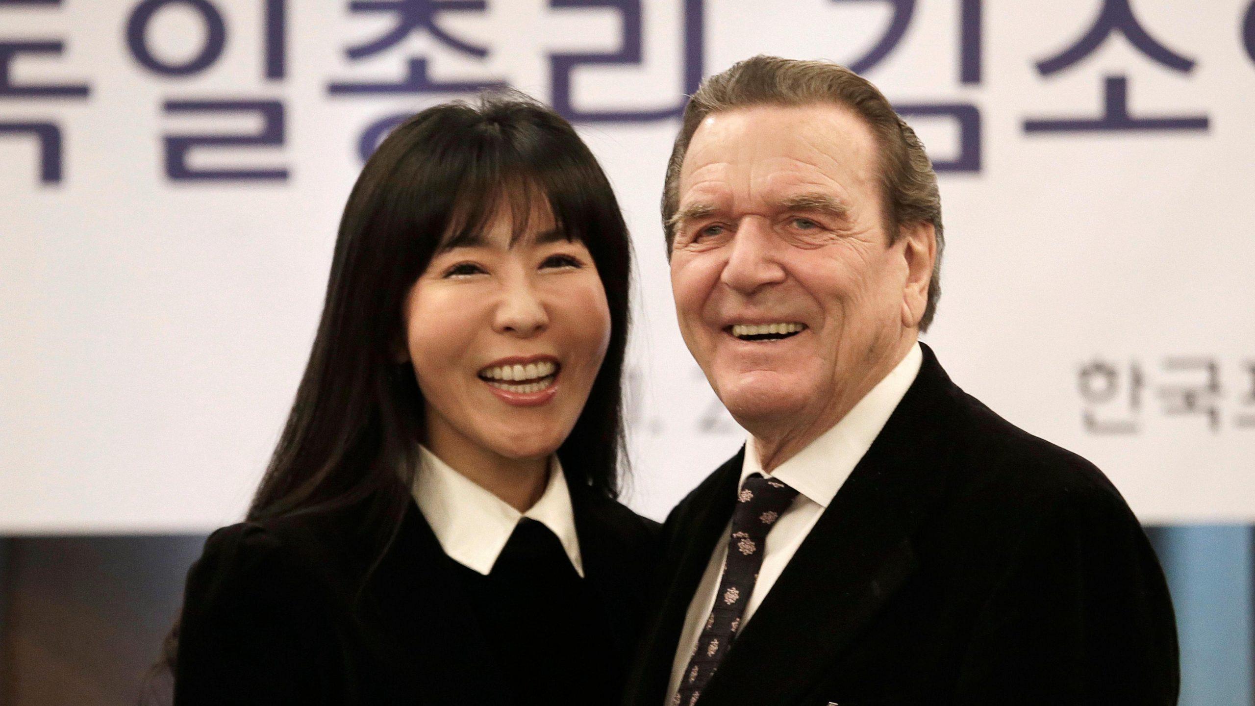 "Corea multan con 22.000 euros a un excanciller alemán por ""deshonrar"" al exmarido de su actual pareja"