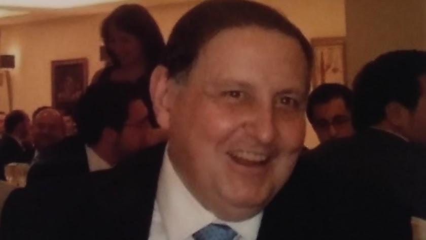 Muere Gustavo Villapalos, exrector de la Complutense y el hombre que pudo ser 'todo'