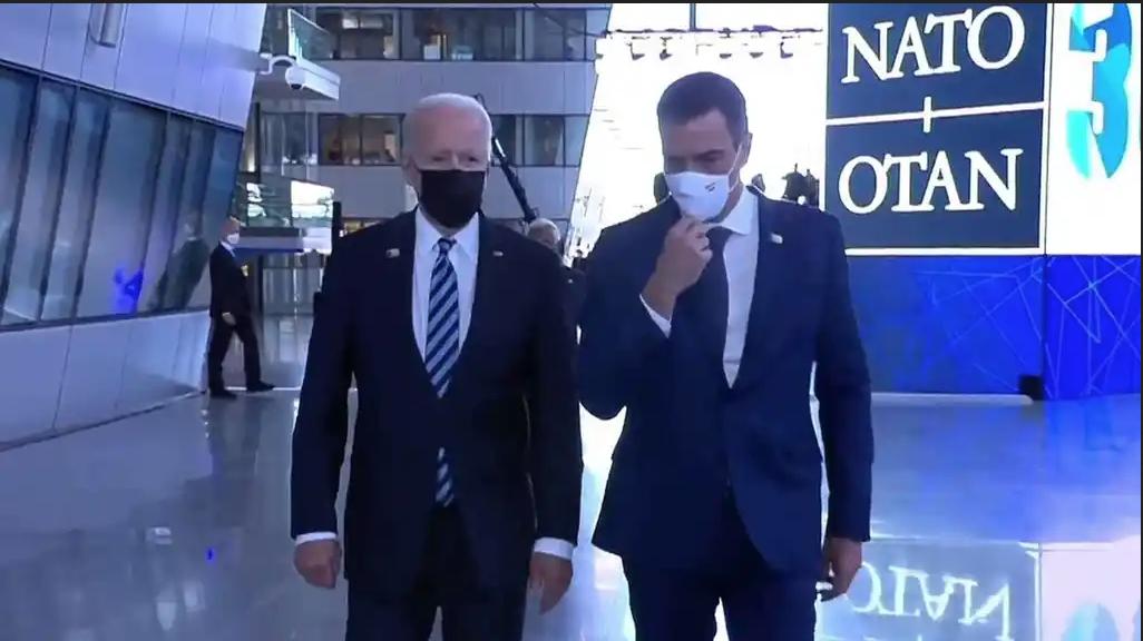"""¿Se inventó EFE que la Casa Blanca confirmó una reunión """"por separado"""" entre Pedro Sánchez y Joe Biden?"""