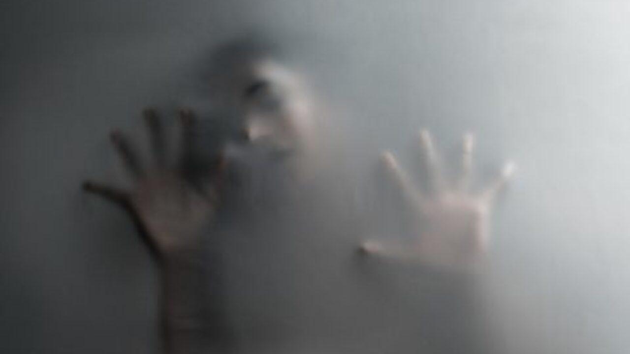 La mujer que asfixió con una bolsa de plástico a su propia hija, confiesa que la mató para causar daño al padre