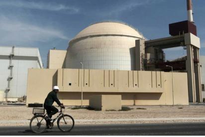 Irán cierra temporal y misteriosamente su única central nuclear