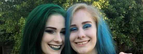 Sam y Chris, las hermanas gemelas 'que lo tenían todo' y acabaron suicidándose