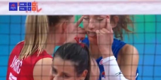Suspenden a una jugadora de voleibol de Serbia tras un gesto racista contra Tailandia