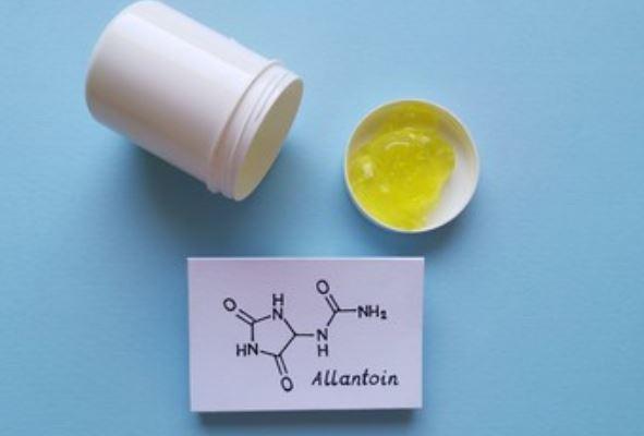 Alantoína