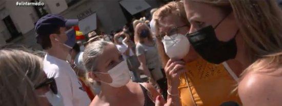 """La enviada de Wyoming y laSexta, acribillada en la manifestación de Colón: """"Iros a la mierda"""""""