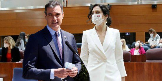 """Ayuso 'estrena' su investidura con un ultimátum a Pedro Sánchez: """"Hoy empieza el final del sanchismo"""""""