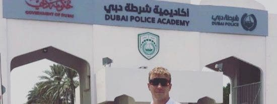 Un policía nacional salva a un joven estudiante Erasmus de morir ahogado y acaba en el hospital