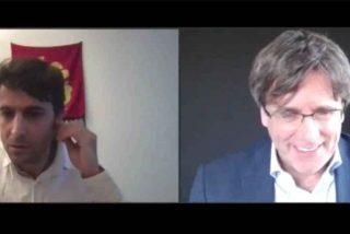 """Gritos de """"Arriba España"""" y el himno español a todo trapo en una conferencia de Puigdemont"""
