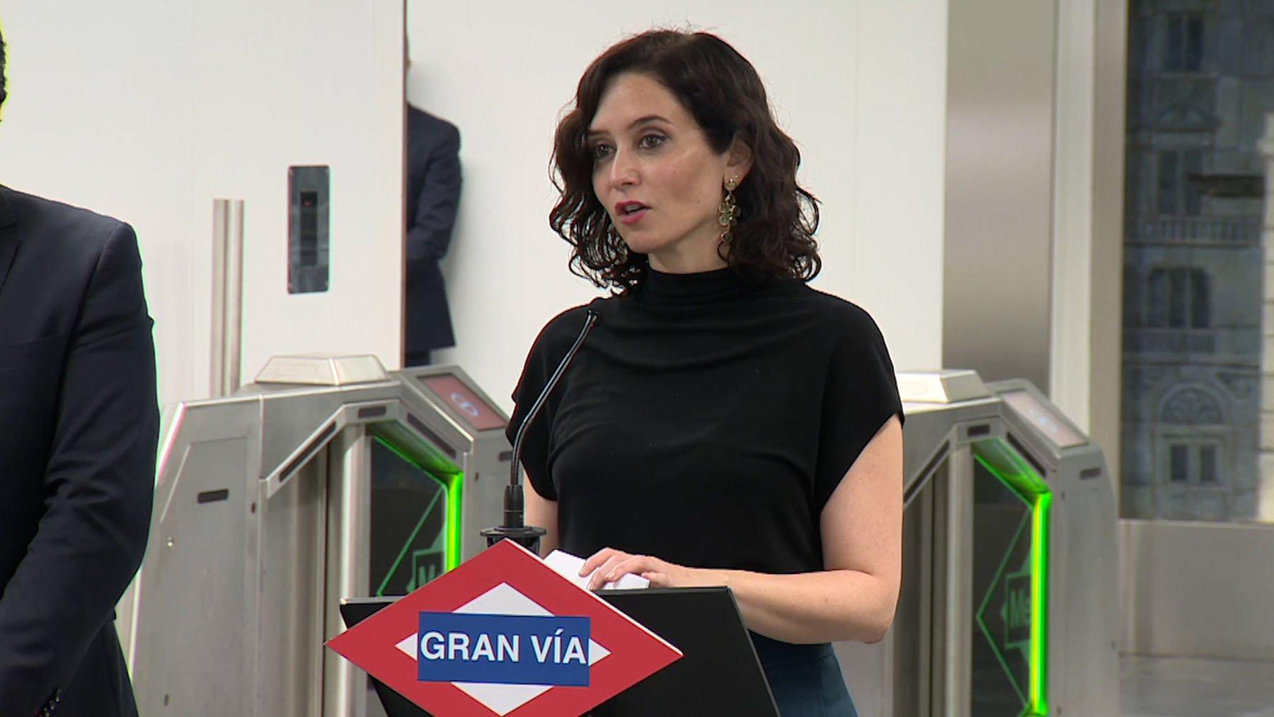 Zasca de Ayuso a la Cadena SER por intentar torpedear con una noticia falsa la reapertura de la estación de Gran Vía