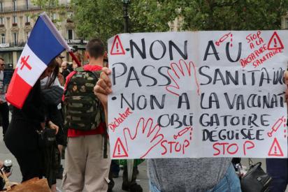 Protestas en Francia y Grecia contra la vacunación obligatoria