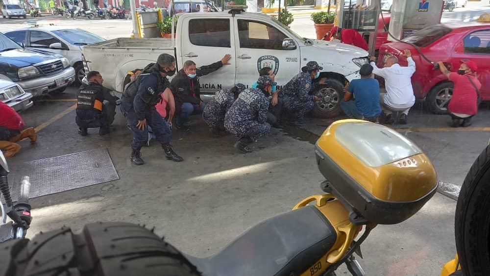 Bandas criminales toman Caracas y retan a los policías del chavismo: cuatro muertos, granadas y miedo