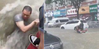 China: las lluvias más torrenciales en 1.000 años arrastran personas y se tragan coches