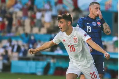 Pedri, 'mejor jugador joven' de la Euro 2020