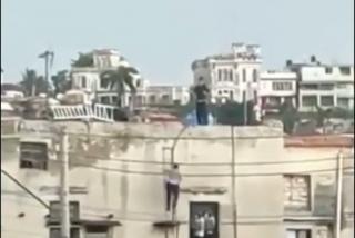 Así embosca la policía de Cuba a los manifestantes para golpearles salvajemente