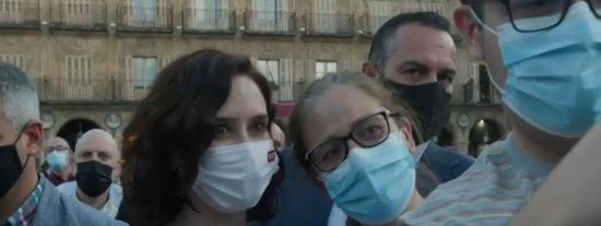 El vídeo que hunde a Sánchez: Así aplaudieron a Ayuso en Salamanca horas antes del abucheo al socialista