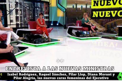"""Las redes amargan la despedida de Iñaki López por juntar a las cinco nuevas ministras de Sánchez: """"¡Propaganda!"""""""