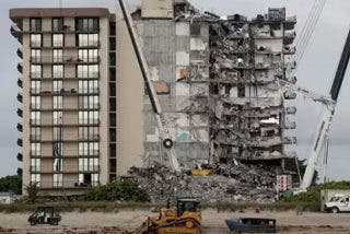 Miami: El hallazgo de los cuerpos de dos niños aumenta a 18 el número de muertos en el derrumbe del edificio