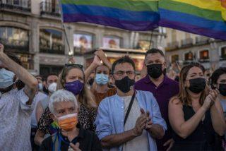 La Policía hunde el 'plan LGTBI' de Podemos: Los disturbios por Samuel, liderados por los matones del ataque a VOX en Vallecas