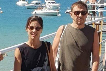 Foto indiscreta: los lujosos, elitistas y franquistas gustos de Juan Carlos Monedero y su novia 'pija'