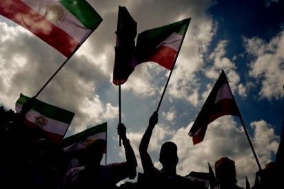Al menos tres muertos en las masivas protestas en Irán por la falta de agua