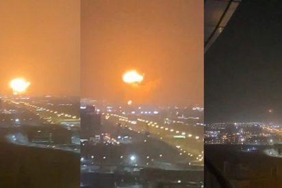 Así fue la increíble explosión de un barco en el puerto de Dubái