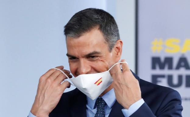 El Gobierno de Sánchez 'resuelve' la subida de la luz... aumentándose el sueldo un 2%