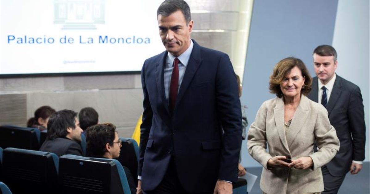 Moncloa: gritos entre Carmen Calvo e Iván Redondo y Sánchez no defiende a la vicepresidenta