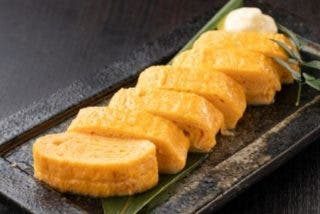 Receta de tamagoyaki o tortilla japonesa