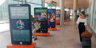 Visit València inaugura la exposición interactiva 'Más falleros que nunca' en el Aeropuerto de València