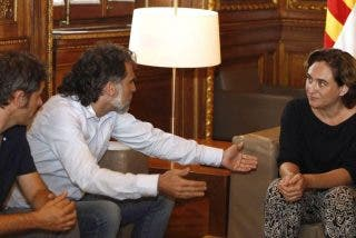 La independentista Colau encarga al golpista Cuixart el pregón de las fiestas de Gracia