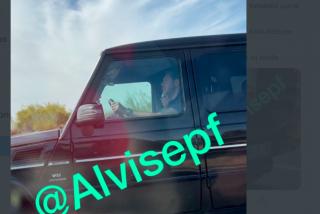 Cazan al socialista Óscar Puente en un Mercedes de 173.000 euros y de dudosa procedencia