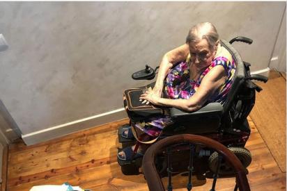 Esta anciana sale del hospital y se encuentra con que su cuidadora marroquí le ha 'okupado' la casa