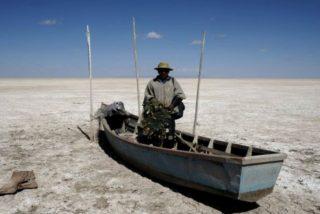 El Poopó, el segundo lago más grande de Bolivia, se convierte en un desierto