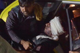 Los peores temores se hacen realidad: doble atentado suicida en el aeropuerto de Kabul mata a decenas de personas