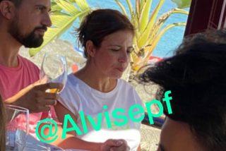 Graves consecuencias para Adriana Lastra tras filtrarse comprometedoras y delicadas fotos de su veraneo