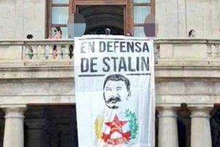 El Ayuntamiento de Valencia cuelga una pancarta del genocida Stalin con la complicidad del PSOE