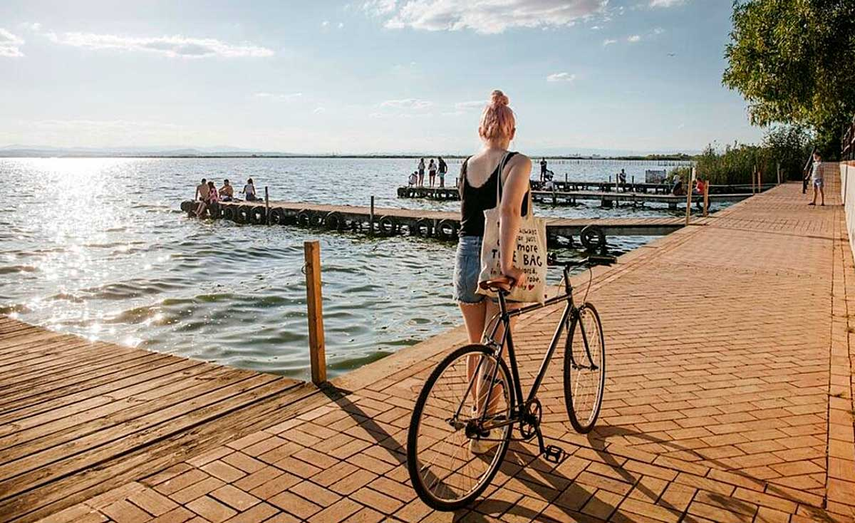 València se convierte en la primera ciudad del mundo en calcular la huella hídrica de la actividad turística