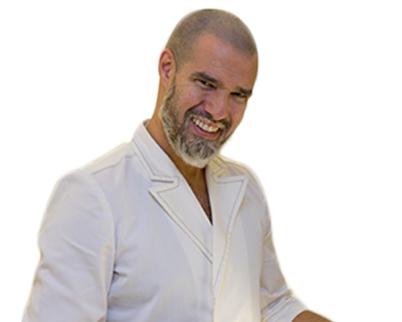 El odontólogo Iván Malagón advierte de los efectos de una tercera dosis en la salud bucodental