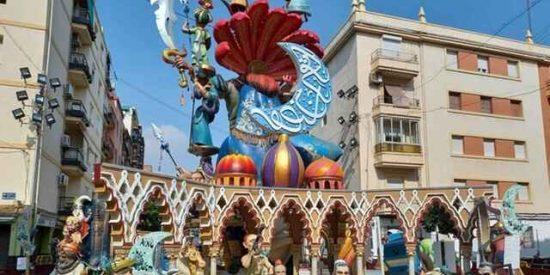 Valencia: asustados por la posibilidad de represalias de los musulmanes, indultan de la quema la mezquita de su falla