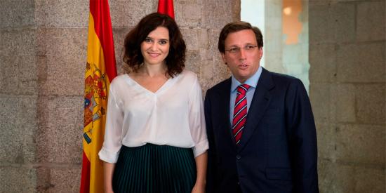 """Ayuso y Almeida: """"Sánchez es un político con ideas trasnochadas que cree que ganará España yendo contra Madrid"""""""