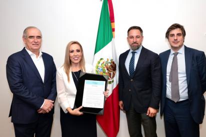 """Zasca de Tertsch a 'El País' y a los """"rojos a ambos lados del Atlántico"""" por atacar a Abascal tras su éxito en México"""