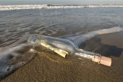Hallan en Hawaii un mensaje en una botella lanzado al mar desde Japón hace 37 años