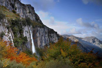 Se matan dos mujeres senderistas al despeñarse por un barranco en Cantabria