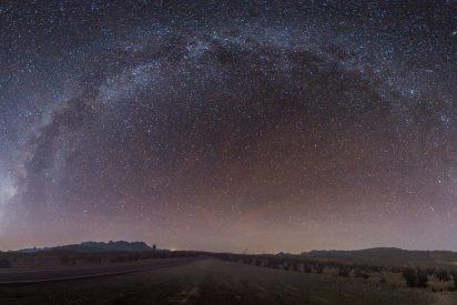 Captan una misteriosa señal de radio emitida desde el centro de la Vía Láctea