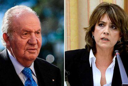 """Juan Carlos I zarandea a la 'cuasi despedida' Dolores Delgado: """"La Fiscalía busca perjudicarme gravemente"""""""
