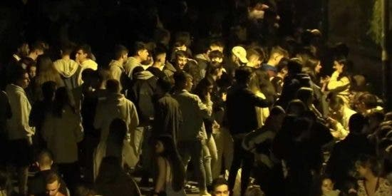 Récord Mundial: macrobotellón de 25.000 estudiantes en la Ciudad Universitaria de Madrid para celebrar el inicio de curso