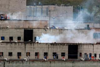Más de 100 muertos por una 'batalla' entre bandas dentro de una cárcel de Ecuador