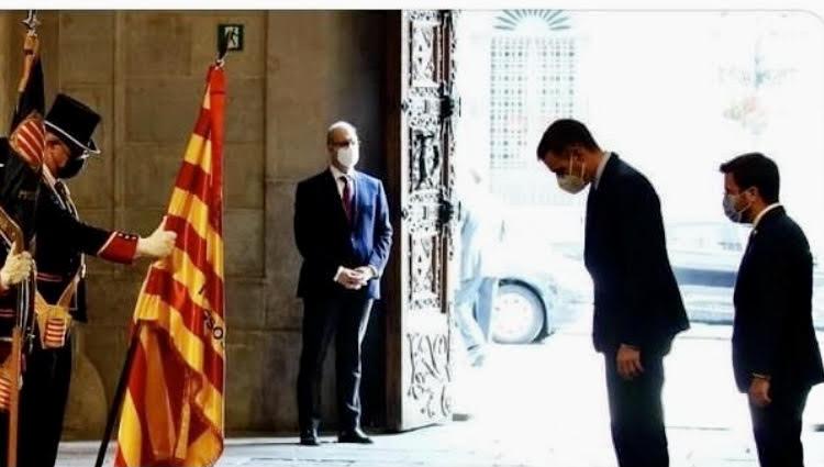 """José Manuel García Albarrán: """"El servilismo frente al desprecio a la bandera nacional"""""""