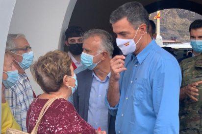 """Los afectados por el volcán de La Palma explotan: """"¿Por qué se nos aloja en albergues y a los de las pateras en hoteles de cinco estrellas?"""""""