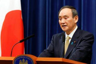 El primer ministro de Japón renuncia a su reelección por haber sido criticado durante la gestión de la pandemia